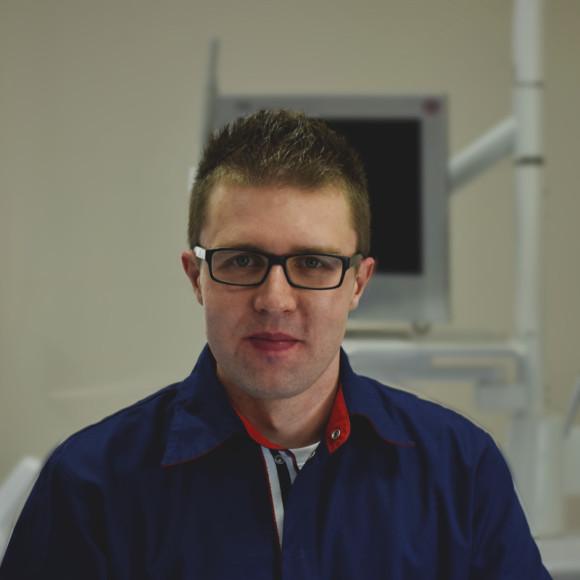Dr Damian Łabędzki