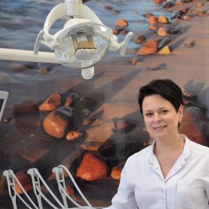 Dr Marta Charzewska